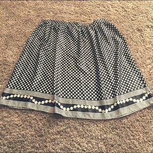 Light weight cute midi-skirt